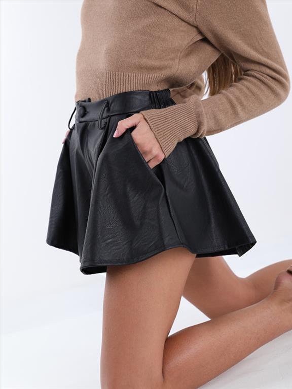 Shorts farfalla